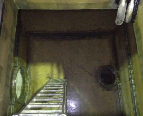 Auskleidung eines Wasserbunkers 110m³ aus GfK